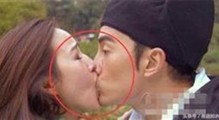 13 sự thật đáng thất vọng của cảnh hôn mùi mẫn trong phim Hoa Ngữ - Ảnh 1.
