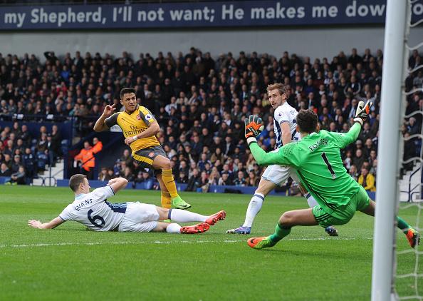 Top bàn thắng đẹp nhất vòng 28 có tên sao trẻ Man Utd - ảnh 4