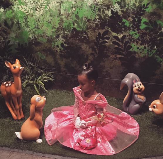 Kim Kardashian nói dối chồng, lén lút trữ lại hàng hiệu cũ cho con gái - Ảnh 5.