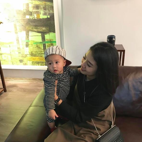 Không hoạt động showbiz, tại sao Trang Lou vẫn vượt mặt Châu Bùi, Sun HT trên Instagram? - Ảnh 33.