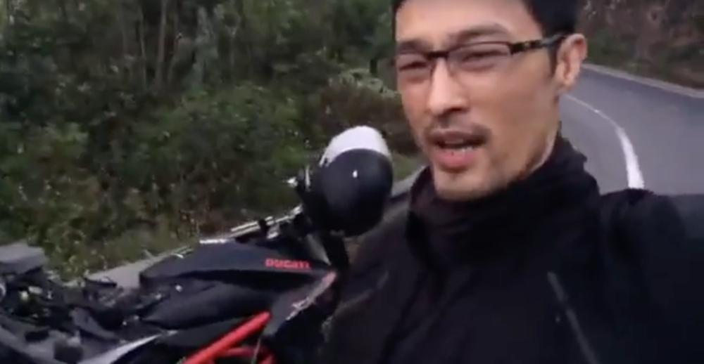 Sao Việt: Diễn viên Johnny Trí Nguyễn khoe gặp tai nạn giao thông, vỡ nát xe Ducati 400 triệu