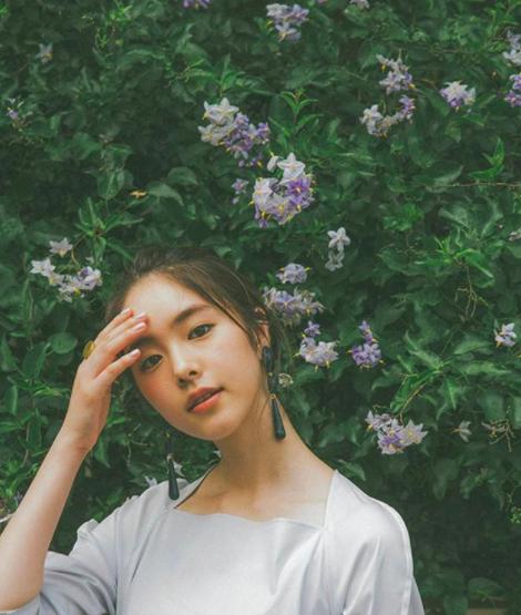 Từ công nhân, cô gái trẻ trở thành diễn viên triển vọng của Nhật Bản vì quá đẹp - Ảnh 5.