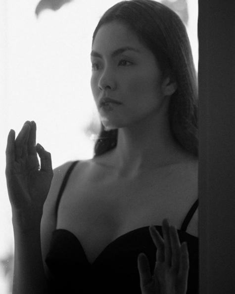 Tăng Thanh Hà gây sốt với tấm hình gợi cảm sau 5 năm rút lui khỏi showbiz - Ảnh 1.
