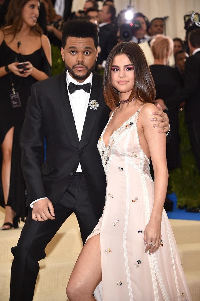 Mới yêu vài tháng, Selena Gomez đã cố gắng có thai với The Weeknd? - Ảnh 1.