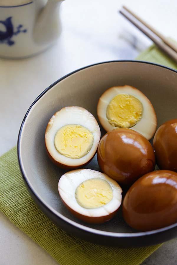 Học người Trung Quốc nghệ thuật luộc trứng với xì dầu cực ngon - ảnh 8