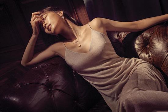Mới đầu năm tình đầu quốc dân Suzy đã ngả ngốn khoe vẻ sexy - Ảnh 1.