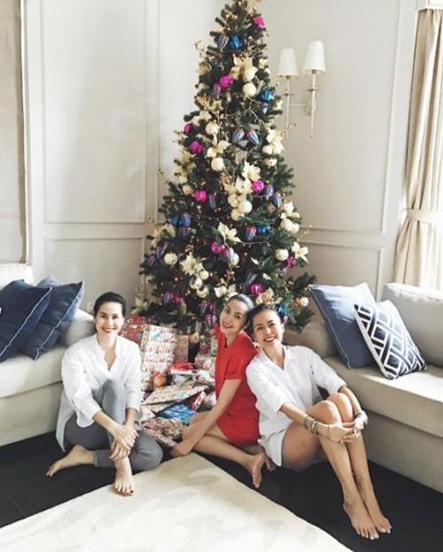 Tăng Thanh Hà và hội bạn tri kỷ tổ chức tiệc Giáng sinh sớm cho các con - Ảnh 7.