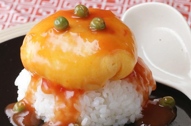 Thử làm ngay món cơm trứng bọc thịt đẫm sốt cho bữa ăn cuối tuần - Ảnh 1.