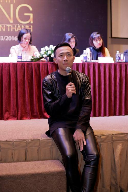Vội đến dự sinh nhật Subeo, dân mạng tưởng Trấn Thành mặc... nhầm quần của Hari Won - Ảnh 3.