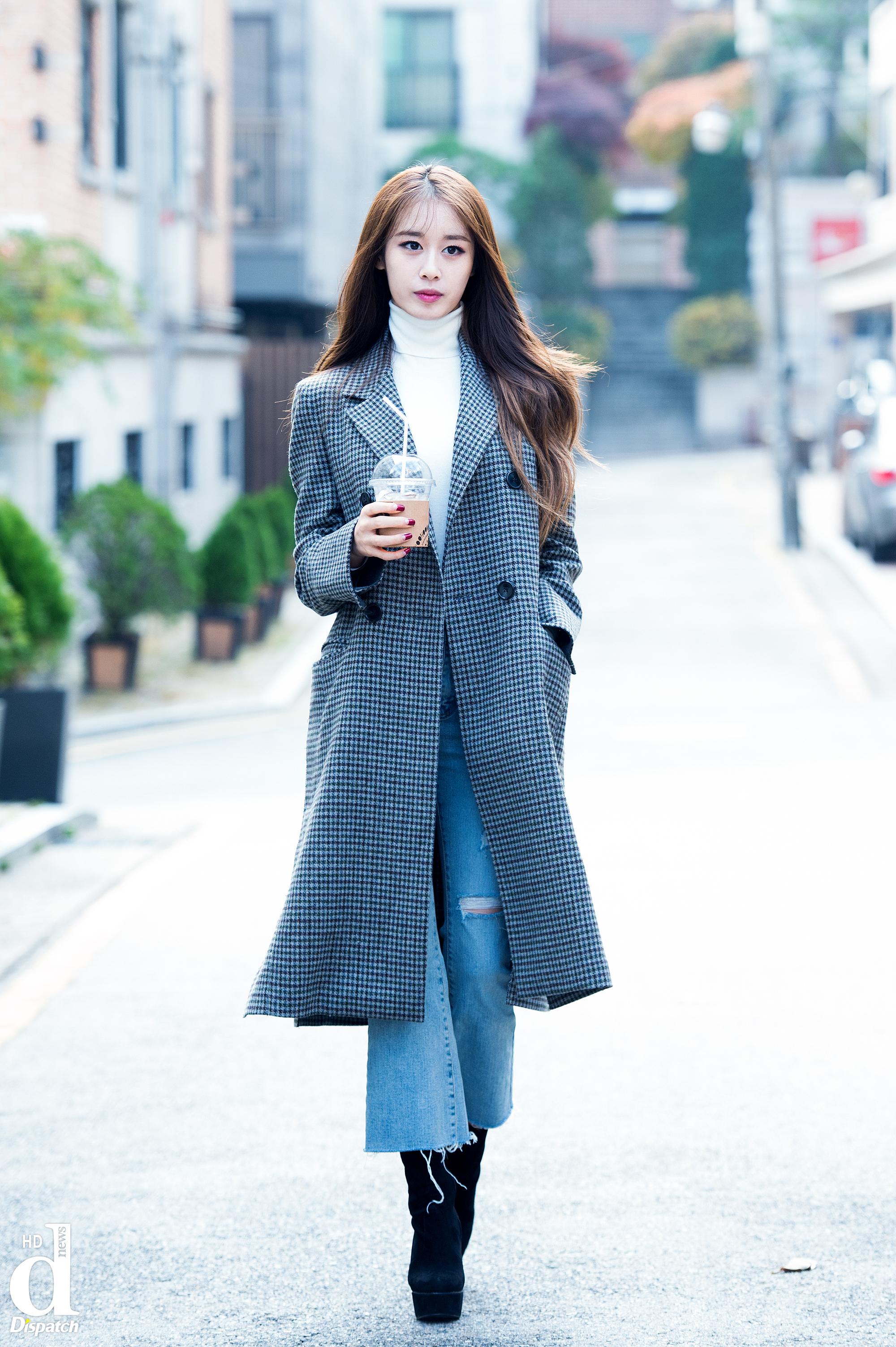 Sao Hàn: Tình cũ và tình mới của Lee Dong Gun: Jiyeon hay Jo Yoon Hee đẹp khí chất hơn?