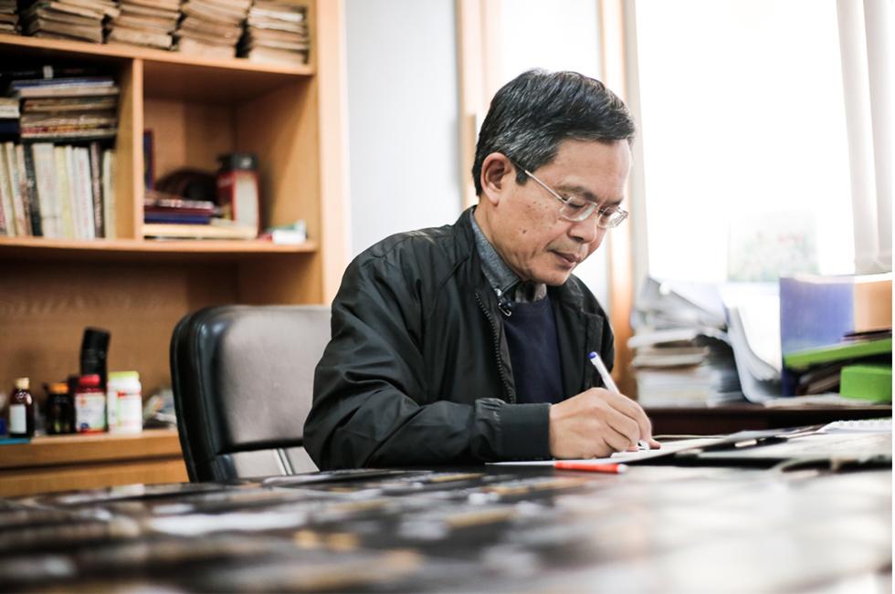 Nhà báo Trần Đăng Tuấn: Khi bữa cơm bắt đầu có thịt, có cháu tăng tới 4kg, có cháu không mặc vừa quần áo nữa - Ảnh 9.