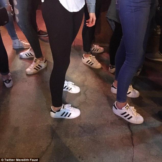 Bức ảnh chứng minh Trái đất sắp bị Adidas Superstar thống trị đến nơi rồi! - Ảnh 1.