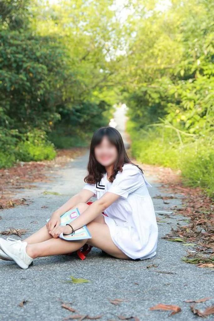 """Đời sống: Nữ sinh lớp 12 uống thuốc cỏ tự tử để lại thư tuyệt mệnh: """"Con yêu Tr. nhưng chết vì người đàn ông khác"""""""