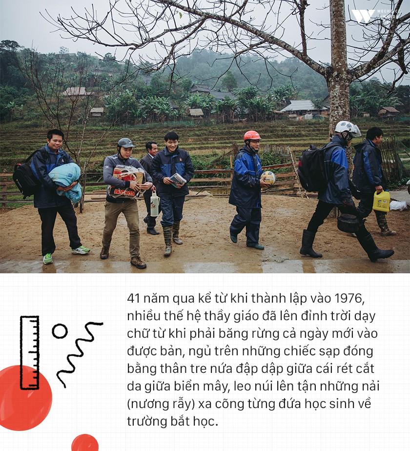 Đường đến ngôi trường đặc biệt 40 năm không có cô giáo: 47 người thầy vượt đèo lên đỉnh trời Mường Lống - Ảnh 12.