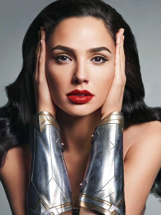 Đẹp chim sa cá lặn như Wonder Woman thì không cần động thủ, kẻ thù nào cũng sẽ xin chết! - Ảnh 2.