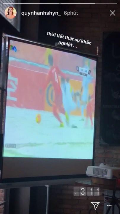 Nghệ sĩ Việt xót xa khi chứng kiến U23 Việt Nam thi đấu trong thời tiết giá lạnh, tuyết phủ kín sân - Ảnh 6.