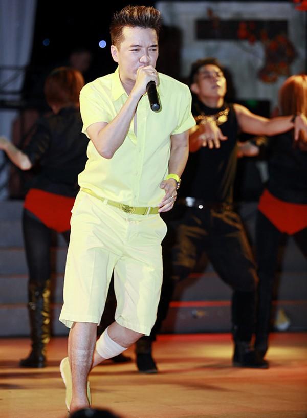 Isaac gặp chấn thương ở chân vẫn quyết định chích thuốc tê lên sân khấu biểu diễn - Ảnh 5.