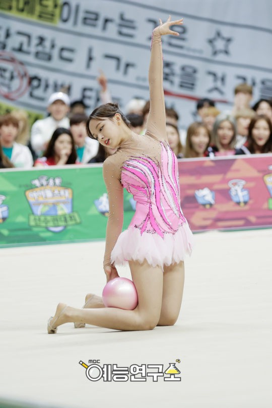 Đại hội thể thao idol: Nơi đưa loạt thần tượng vô danh lên hàng nam thần nữ thần, sàn đấu của mỹ nhân BIG3 - ảnh 18
