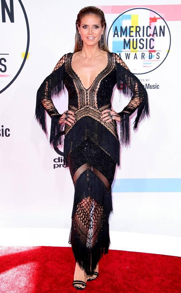 Dàn siêu sao đổ bộ thảm đỏ AMA 2018: Taylor Swift chói lóa cả sự kiện, nhiều đại diện Kpop cũng xuất hiện - Ảnh 17.