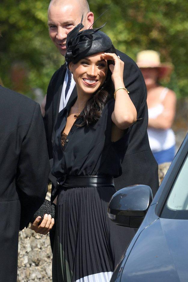 Sau 5 tháng làm dâu Hoàng gia, váy áo tinh tế thanh lịch nhiều không đếm hết nhưng Công nương Meghan lại có tới 3 lần mặc đồ kém duyên - ảnh 4