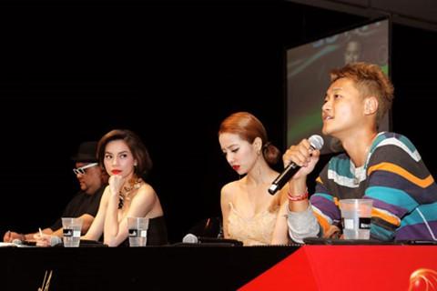 Trước khi khiến fan nở mày nở mặt với vai trò giám khảo tại Next Top châu Á, Hồ Ngọc Hà từng có những lần xuất hiện cực ấn tượng tại quốc tế  - Ảnh 7.