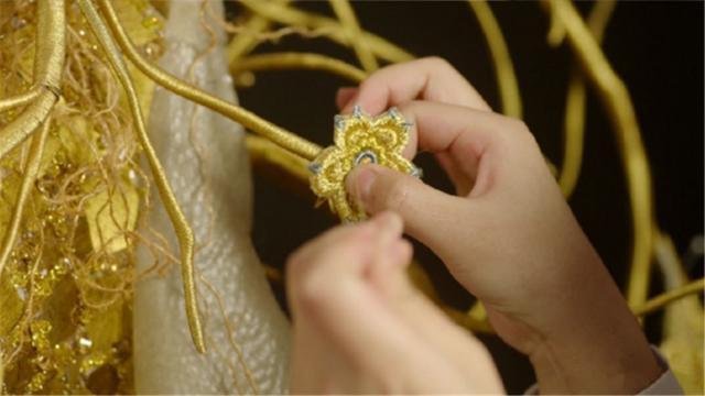 Vượt mặt Dương Tử - Angela Baby, Địch Lệ Nhiệt Ba chính thức trở thành Nữ Thần Kim Ưng 2018 - ảnh 5