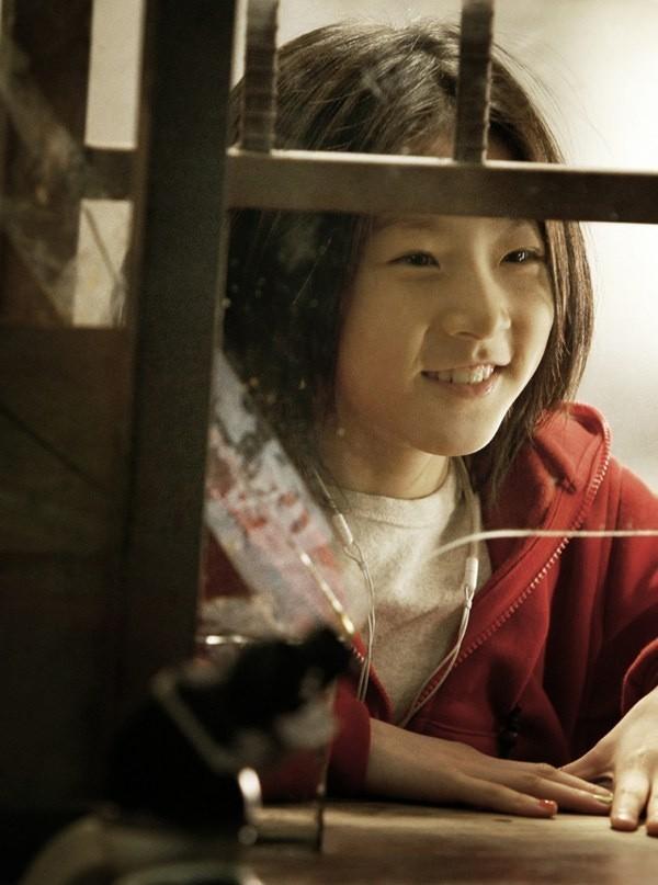Kim Sae Ron: Sao nhí từng 2 lần đi thảm đỏ Cannes, nhan sắc Kim Yoo Jung, Kim So Hyun cũng phải kiêng dè - Ảnh 2.