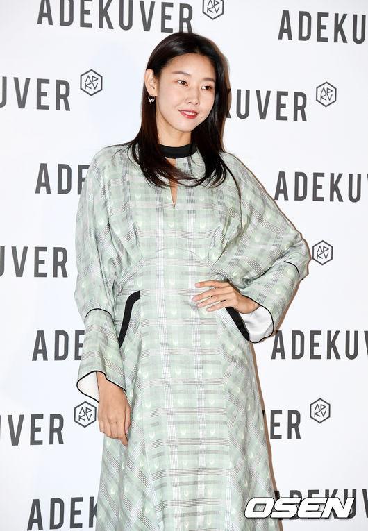 Sự kiện quy tụ dàn mỹ nhân siêu hot: Jisoo (Black Pink) đẹp đỉnh cao trong áo xuyên thấu, Sunmi đầy thần thái - ảnh 11