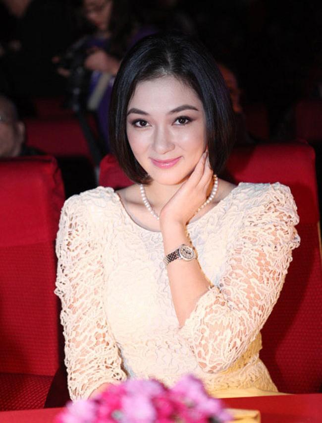 Dám làm điều mà nhiều Hoa hậu ngại ngần, Mỹ Linh và Jolie Nguyễn đều thăng hạng phong cách vù vù! - ảnh 29