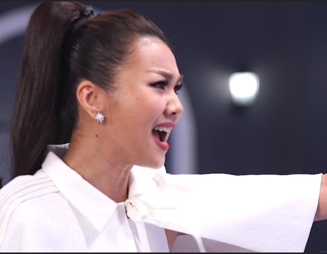Clip: Thanh Hằng, Võ Hoàng Yến, Minh Hằng căng thẳng tột độ với thí sinh trong thử thách đầu tiên - Ảnh 3.