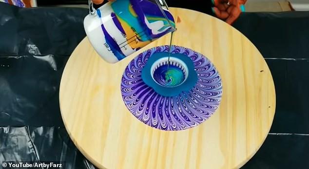 Xem gì hôm nay: Màn sáng tạo nghệ thuật đỉnh cao từ lưới lọc rác ở bồn rửa bát - ảnh 1