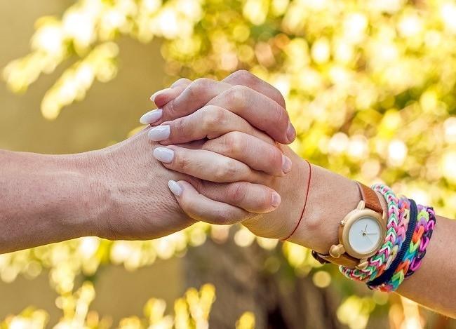 Bạn thường nắm tay người thương như thế nào? Nó tiết lộ khá nhiều điều đấy - ảnh 3