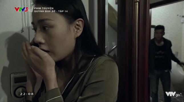 Cảnh lật mặt, dùng dao uy hiếp rồi cướp Quỳnh Búp Bê khỏi tay Phong Cấn - ảnh 8
