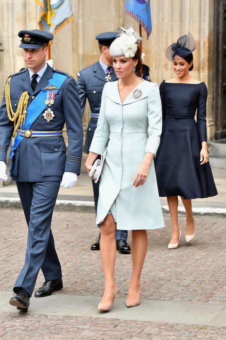 Tinh tế như Công nương Kate: chọn quần tất cũng là nghệ thuật, vừa tự nhiên khó phát hiện lại vừa không lo tuột giày - ảnh 6