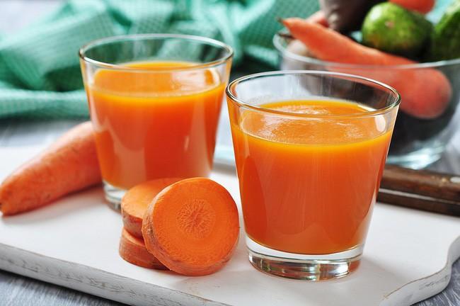 Những lợi ích không ngờ từ nước ép cà rốt mà khi ăn sống củ tươi cũng không làm được điều này - ảnh 3