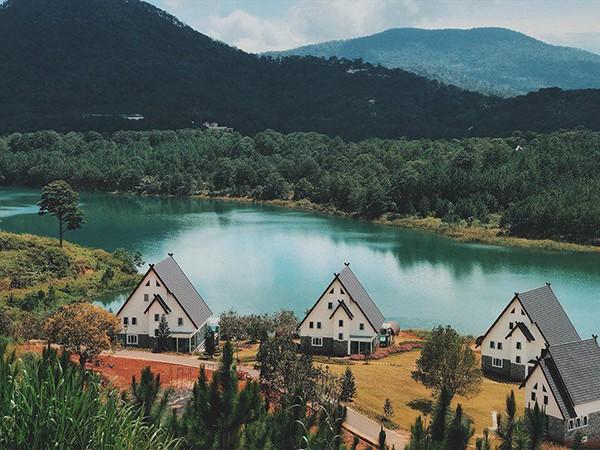 Đà Lạt vừa có ngôi làng thu nhỏ châu Âu mới cực hợp để ghé thăm mùa đông này! - ảnh 1