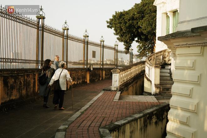 Ngôi trường lâu đời nhất Hà Nội - 110 năm qua vẫn vẹn nguyên vẻ đẹp yên bình, rêu phong và thách thức thời gian - Ảnh 14.