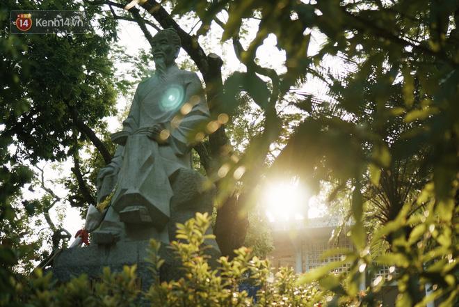 Ngôi trường lâu đời nhất Hà Nội - 110 năm qua vẫn vẹn nguyên vẻ đẹp yên bình, rêu phong và thách thức thời gian - Ảnh 9.