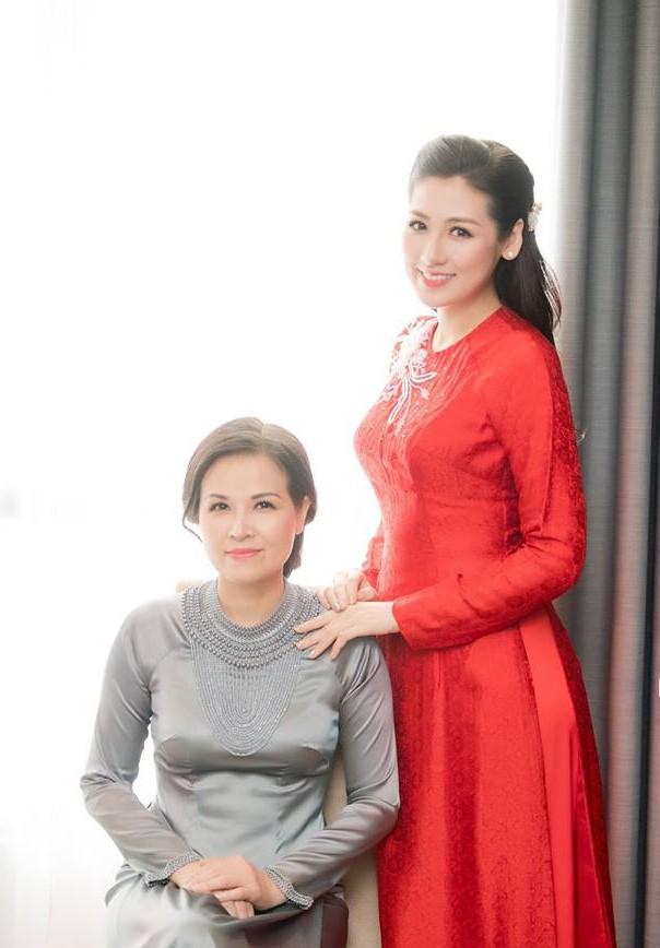Ngắm nhan sắc và style của các bà mẹ mới hiểu vì sao các bông Hậu của Vbiz lại xinh đẹp duyên dáng đến vậy - ảnh 21