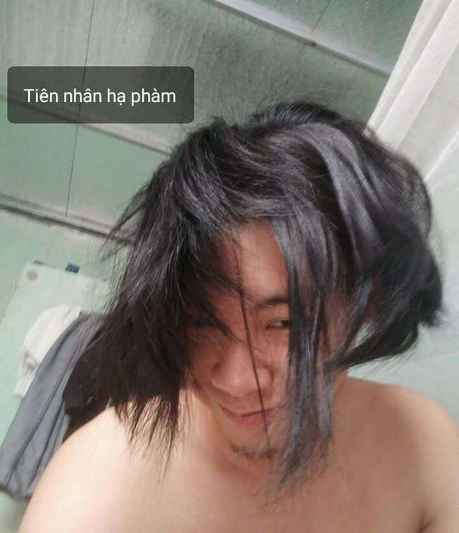 Chuẩn bị cạo đầu đinh, thanh niên chế nguyên series meme hài với bộ tóc quý tộc nuôi suốt 2 năm - Ảnh 13.