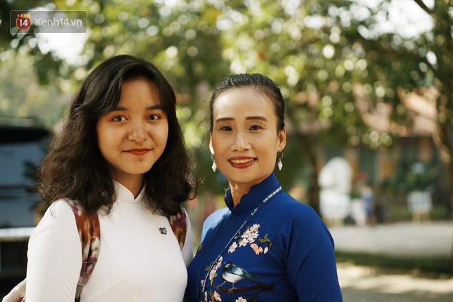 Gặp cô giáo dạy Văn, người mẹ hiền 18 năm nay của biết bao thế hệ học sinh trường Chu Văn An - Ảnh 4.