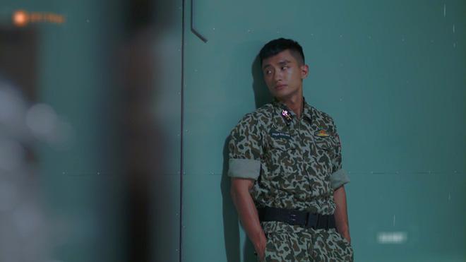 Hết hồn với sạn y học trong Hậu Duệ Mặt Trời bản Việt: Khả Ngân chơi liều, bỏ khẩu trang tiếp xúc với người bị bệnh dịch - ảnh 5