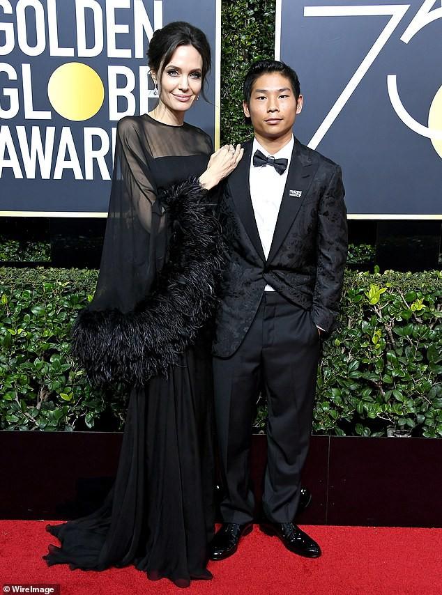 Sướng như Pax Thiên: Hết du lịch châu Âu lại được Angelina Jolie dẫn đi chơi Hàn Quốc - ảnh 1