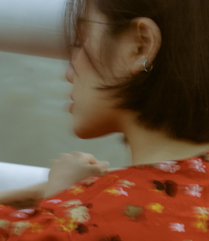 """Phương Ly - hành trình thoát mác """"hotgirl, """"em gái Phương Linh tới nữ ca sĩ ra bài nào hit bài đó - Ảnh 2."""