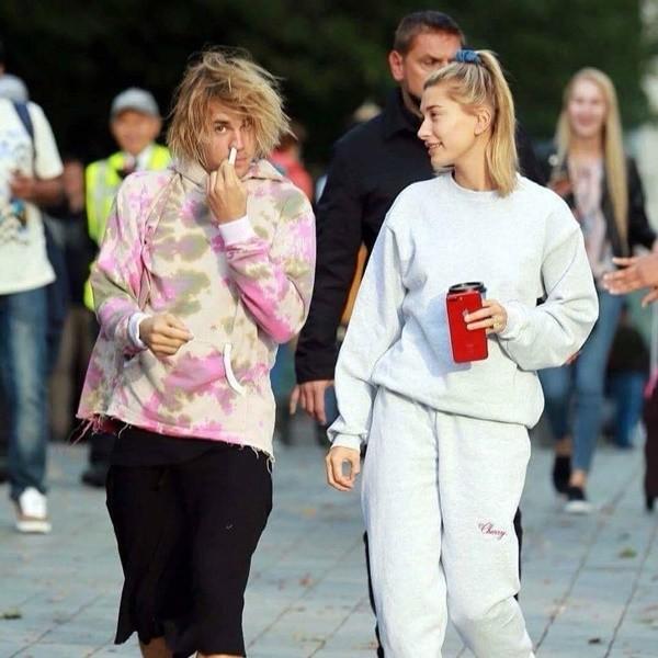 Lột xác đẹp trai hơn, Justin Bieber tươi tắn hết cỡ khi hẹn hò bà xã Hailey Baldwin trên phố - Ảnh 2.