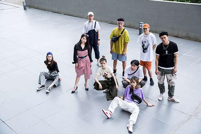 Không phải bìa tạp chí hay dàn mẫu tham dự Fashion Week đâu, đây là bộ ảnh kỷ yếu của lớp nhà người ta đó! - ảnh 2