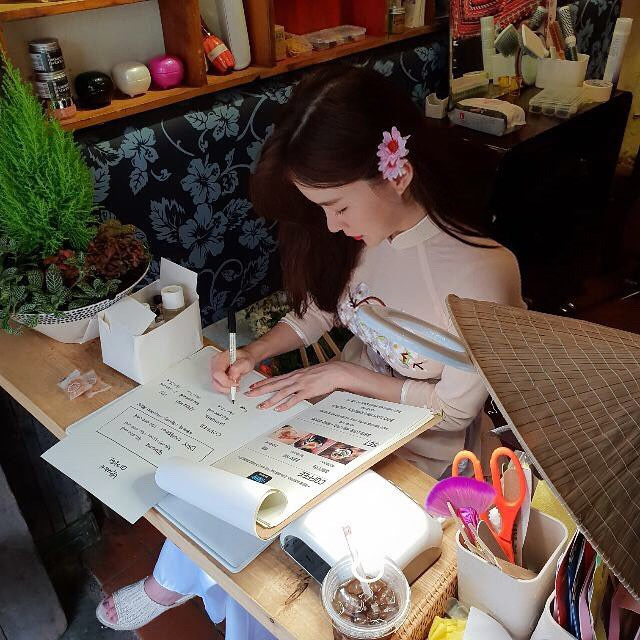 Thiên thần nội y Hàn Quốc Lee Ha Neul đang thăm thú Hội An, khoe ảnh mặc áo dài đội nón lá - ảnh 3