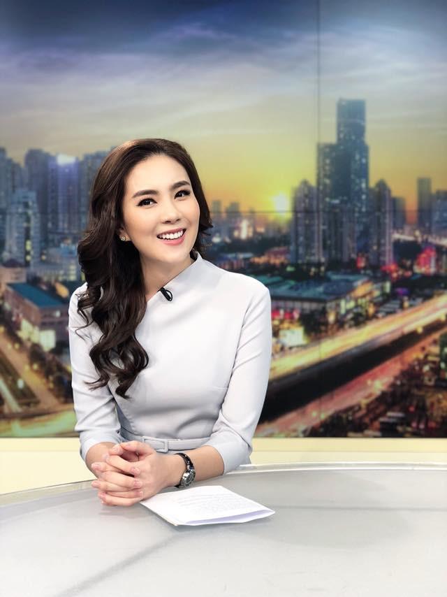 5 năm gắn liền với hình tượng cô gái thời tiết, Mai Ngọc chuyển hướng làm BTV thời sự ở tuổi 28 - Ảnh 1.