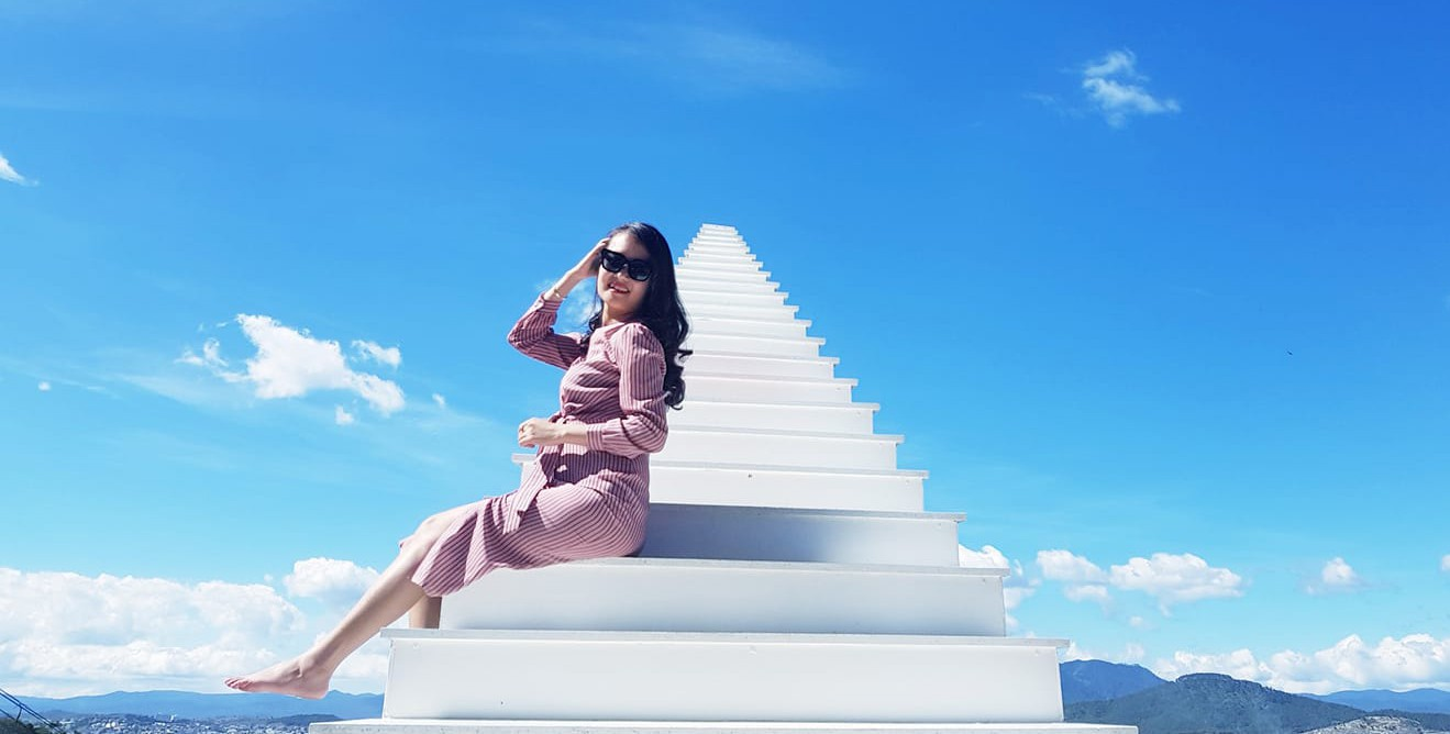 Nấc thang lên thiên đường: Điểm check-in mới toanh đánh lừa thị giác người nhìn ở Đà Lạt - Ảnh 3.