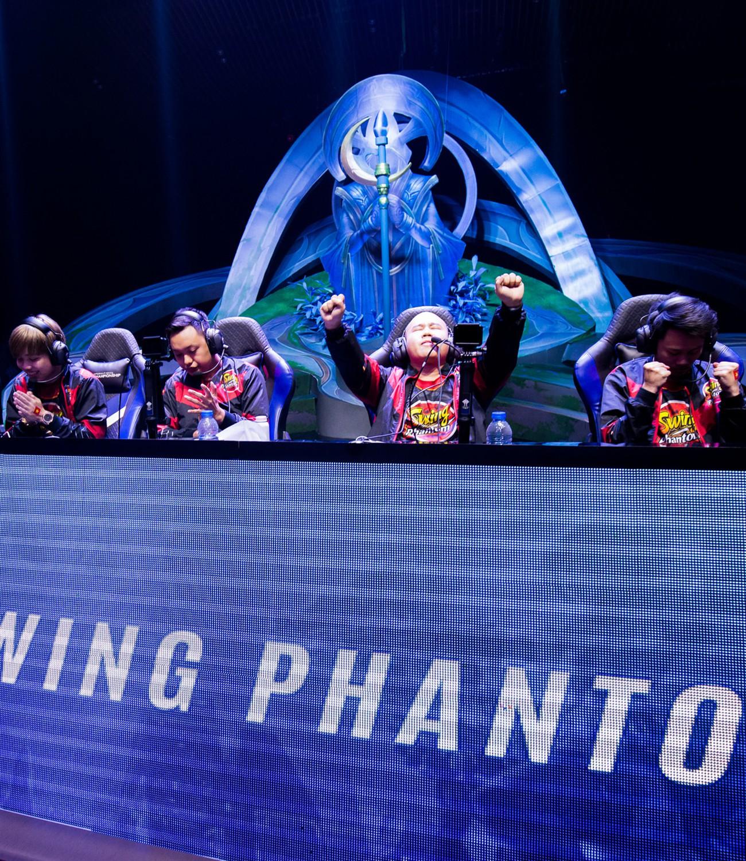 SWING PHANTOM: Chuyện bảy gã mộng mơ đi tìm danh dự cho Tổ Quốc - Ảnh 6.